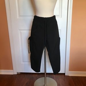 GAP Body Fit AWESOME capri Gauchos  XS lightweight